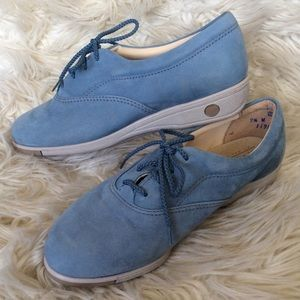 Vintage Baby Blue suede oxford style tennis shoes